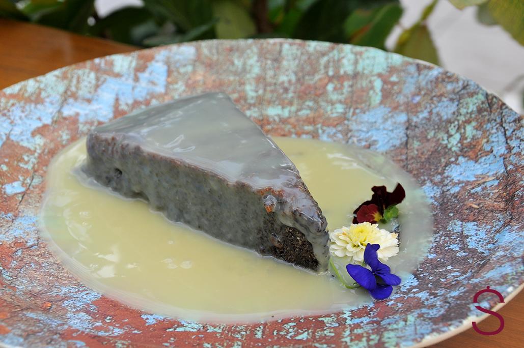 kolač sa makom i belom čokoladom