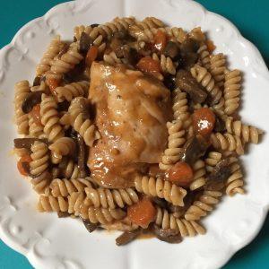 gulaš sa pečurkama i piletinom